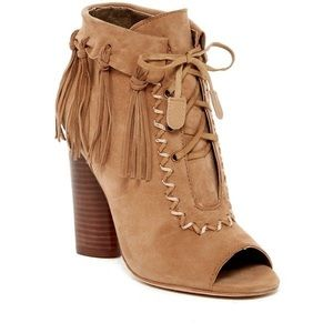 """Cynthia Vincent """"Nailed"""" Suede Booties Size 7"""